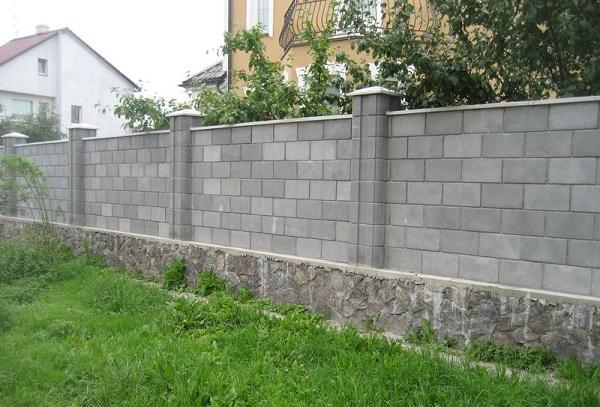 Декоративный блок гладкий серый